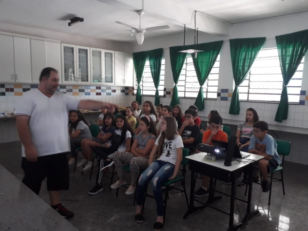 Visita dos Alunos do 5º Ano Fundamental I na Unidade Fundamental II
